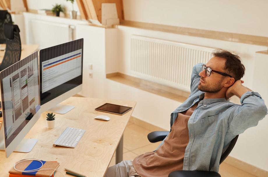 Programmer working over software